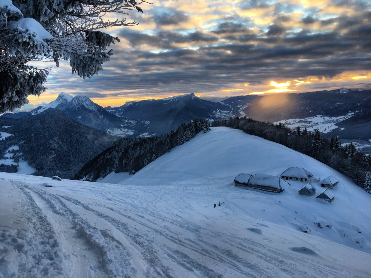 Bauges Ski Académie- Location de ski dans les Bauges